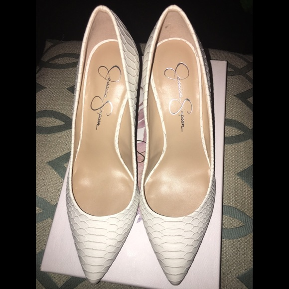 d9c1f668a918 Jessica Simpson Shoes - Jessica Simpson Levin Pointed Toe white Heels